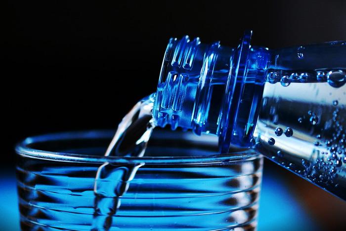 Эксперт рекомендует киевлянам пить только талую воду