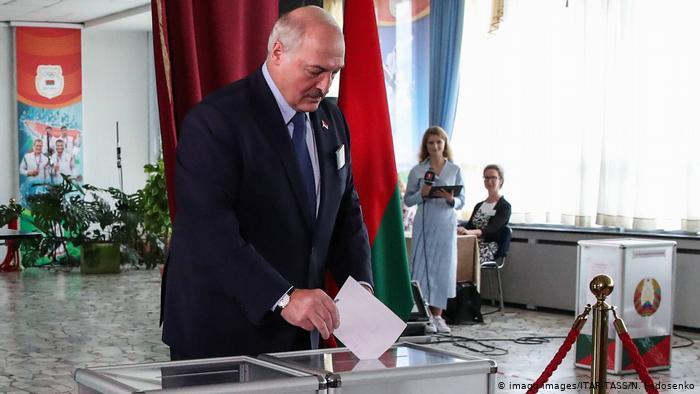 После президентских выборов за Беларусь начнется битва между Востоком и Западом