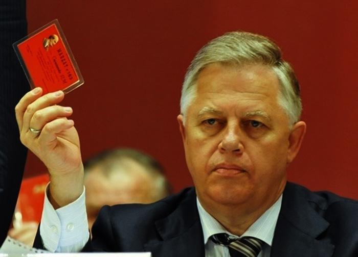Симоненко готов продать свой пояс за 50 тыс. долларов