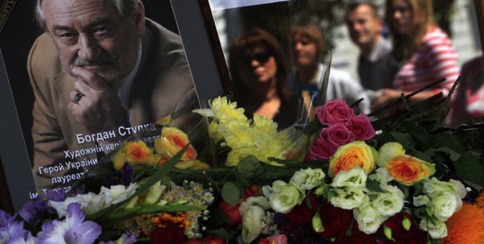 Поклонники Ступки подрались на похоронах