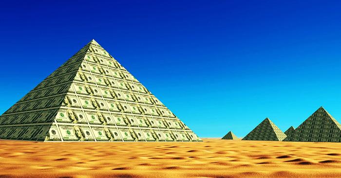 Банки и финансовые пирамиды: что общего?